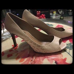 Ann Taylor Ladies Open Toe Shoe